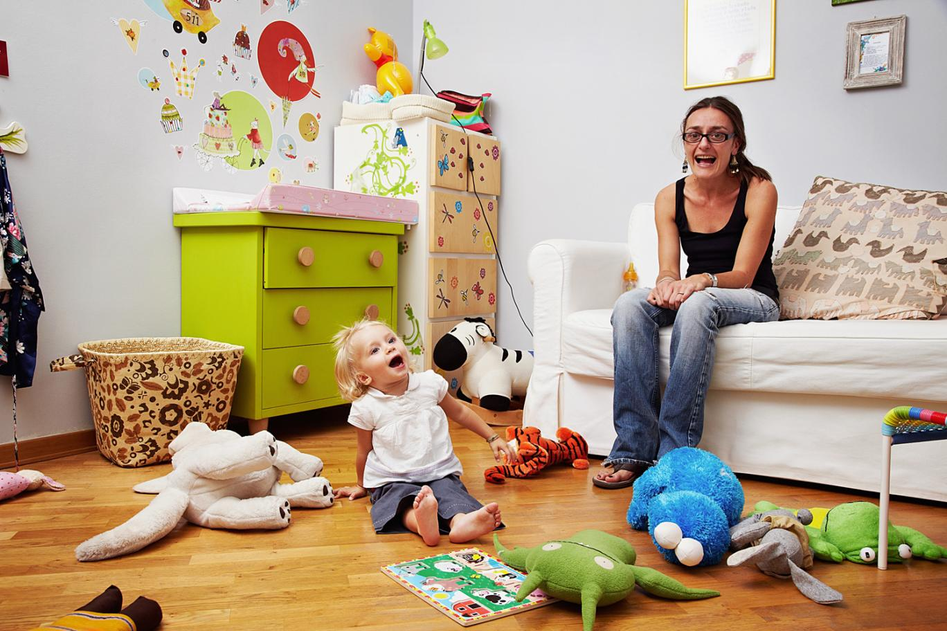 AU Pair looking after child